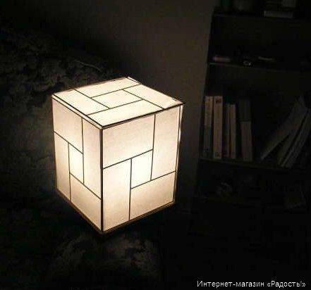 Напольный бумажный фонарик Кубик