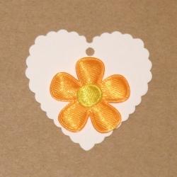 4.55: Атласные цветы с биркой