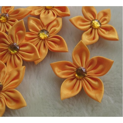 Мастер-класс: цветы из атласных лент.