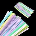 10.102: Цветные пластиковые твисты