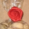 Розы из атласных лент с твистами