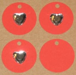 бирка из красного картона с прозрачным сердечком