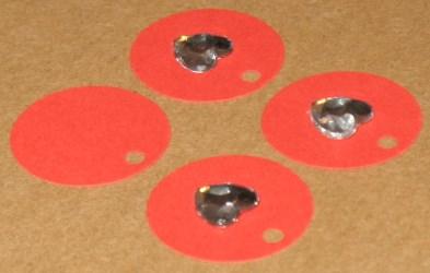 картонная бирка с сердечком из акрила