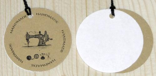 Бирки для шитья из крафт-картона с надписью handmade и рисунком швейной машинки