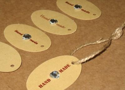 22. овальные бирки Handmade с бесцветными сердечками из акрилла (23-25 шт = 100 руб)