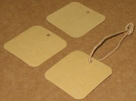 бирки из крафт-картона квадратной формы, размер 4*4 см, фото бирок