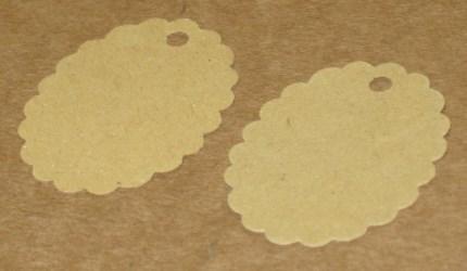 тёмные бирки для изделий ручной работы, из картона крафт, овальные с волнистым краем / фото бирок