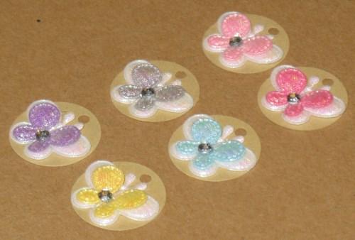 круглые бирки из крафт-картона с бабочками
