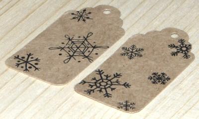 фото набора узких бирок со снежинками для нового года