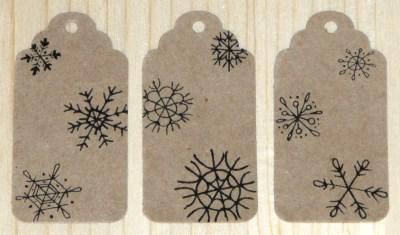 фото: набор бирок со снежинками для нового года