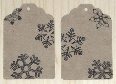 набор 12 бирок со снежинками / картон-крафт