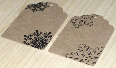 набор из 20 картонных бирок (крафт-картон) с орнаментом снежинка, для оформления новогодней упаковки для подарков и товаров