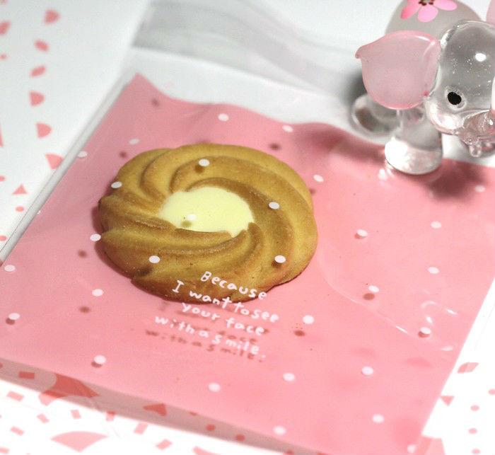 фото: светло-розовый целлофановый пакет