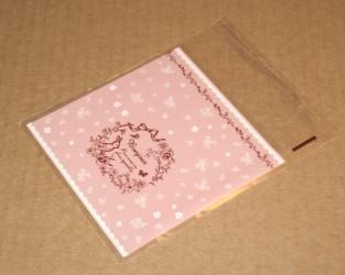 целлофановый пакет розового цвета, внешний вид, фото