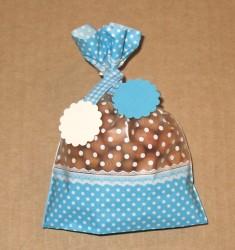 фото: голубые целлофановые пакеты с нестандартным твистом (можно купить отдельно)
