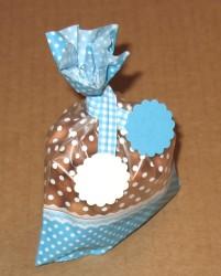 голубые пакеты из целлофана с твистом, фото