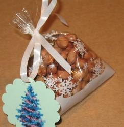 целлофановый пакет 10х11 см с биркой новогодней и лентой