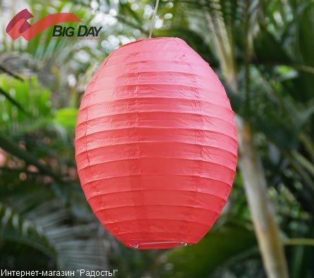 Красный бумажный китайский фонарик овальной формы
