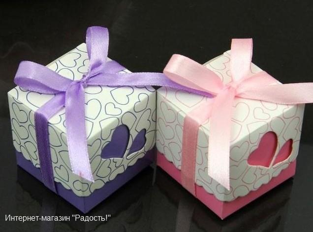 """Сиреневая и розовая картонные подарочные коробки """"Сердечки 2"""""""