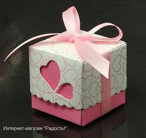 бомбоньерка розового цвета