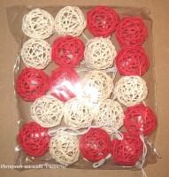 """электрическая гирлянда """"красный микс"""" из 20 шаров из ротанга"""