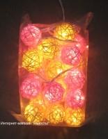 """электрическая гирлянда """"жёлто-розовый микс"""" из 20 шаров из ротанга"""