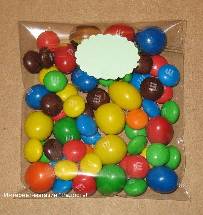 прозрачные пакеты из целлофана с клейкой лентой и мини-этикеткой, фото