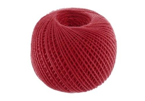 завязанные красные нитки