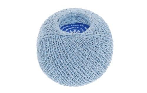завязанные голубые ниточки с люрексом