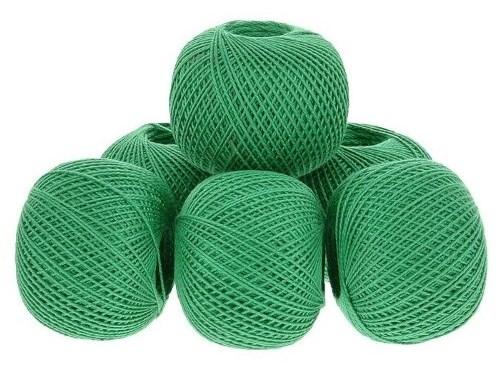 зелёные светлые нитки завязанные