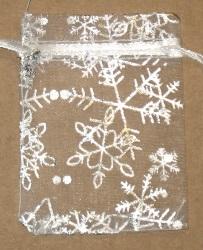 белые мешочки из шифона с серебряными снежинками, 7х9 см