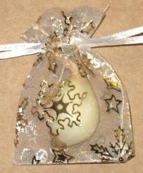 белые мешочки из органзы с золотыми снежинками