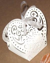 бомбоньерки из картона сердце белые с бантом