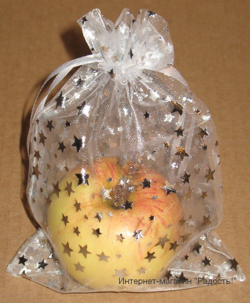 белые с серебряными звёздами подарочные мешки из органзы, размер 13х18 см