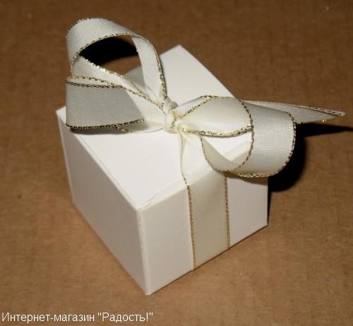 свадебная коробочка с лентой