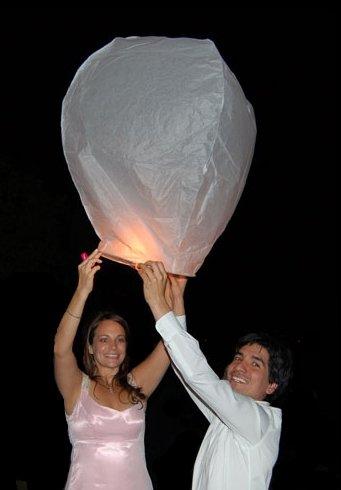 Запуск небесных фонариков - лёгкий способ сделать ваш праздник запоминающимся!