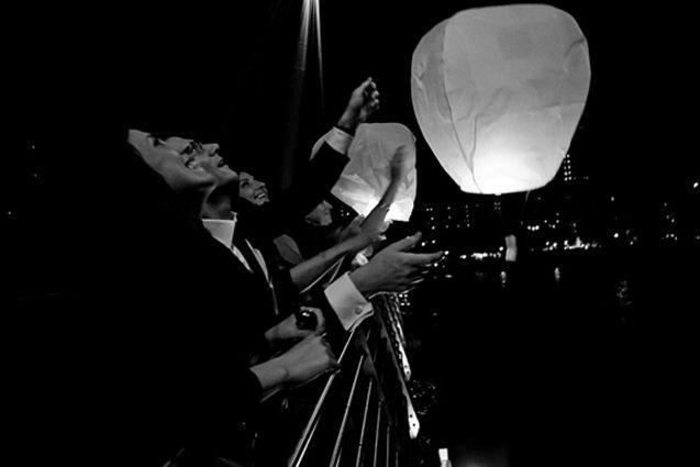 запуск небесных фонариков на вечеринке