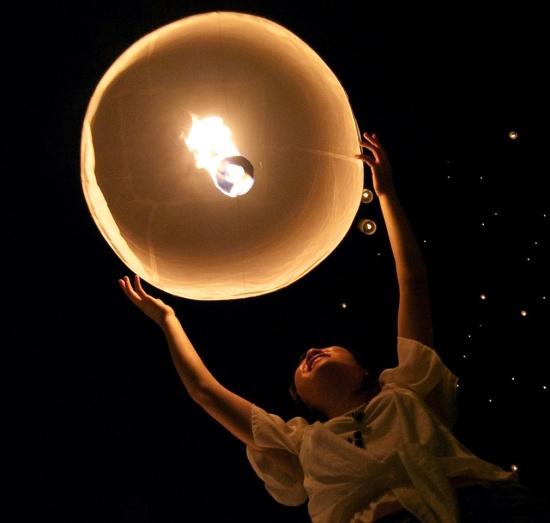 Пусть небесные фонарики несут ваши желания прямиком к вашему ангелу!