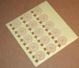 """Бежевые стикеры """"Handmade"""" в виде бантика, продаются комплектом 10 шт за 7 руб"""