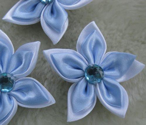Цветок из лепестков из атласных лент 57