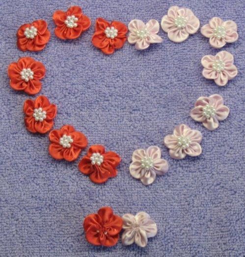 Маленькие цветочки свои руками 31