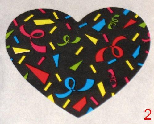 8053. Чёрная с конфетти цветочками наклейка-сердечко / оформление подарков своими руками