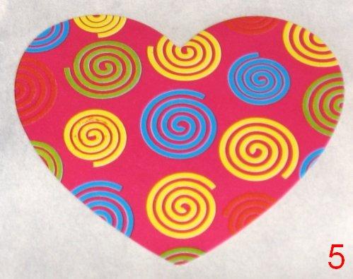 8053. Розовая с разноцветными завитушками наклейка-сердечко / оформление подарков своими руками