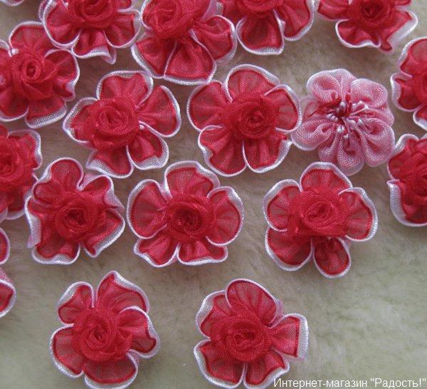 красные цветы из органзы