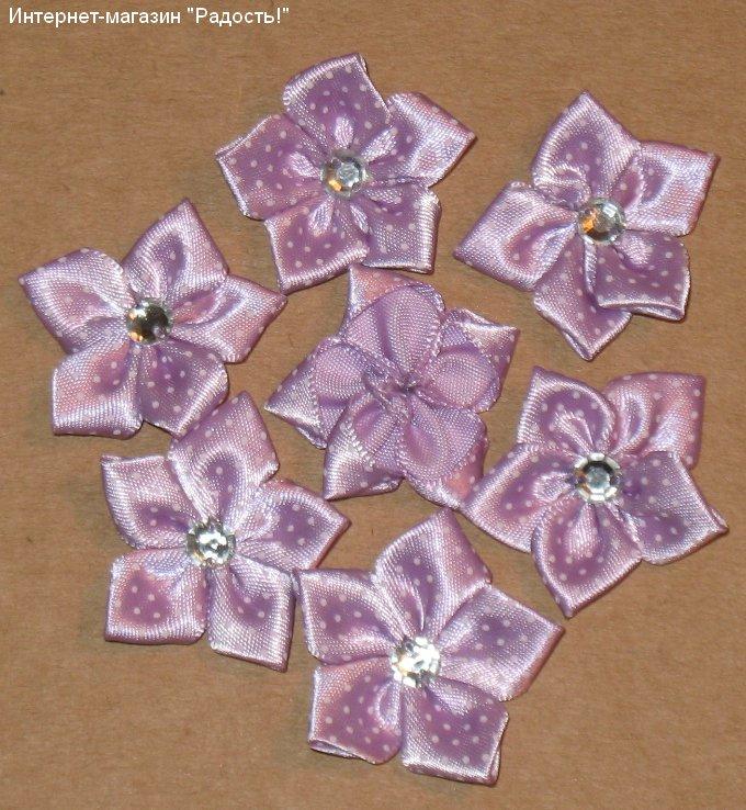 Простейшие цветы из атласной ленты своими руками